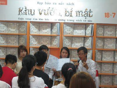 Cùng Thái Hà truy tìm kho báu trên những trang sách tô màu