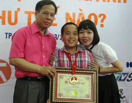 Gặp cậu bé 11 tuổi lập 2 kỷ lục Việt Nam