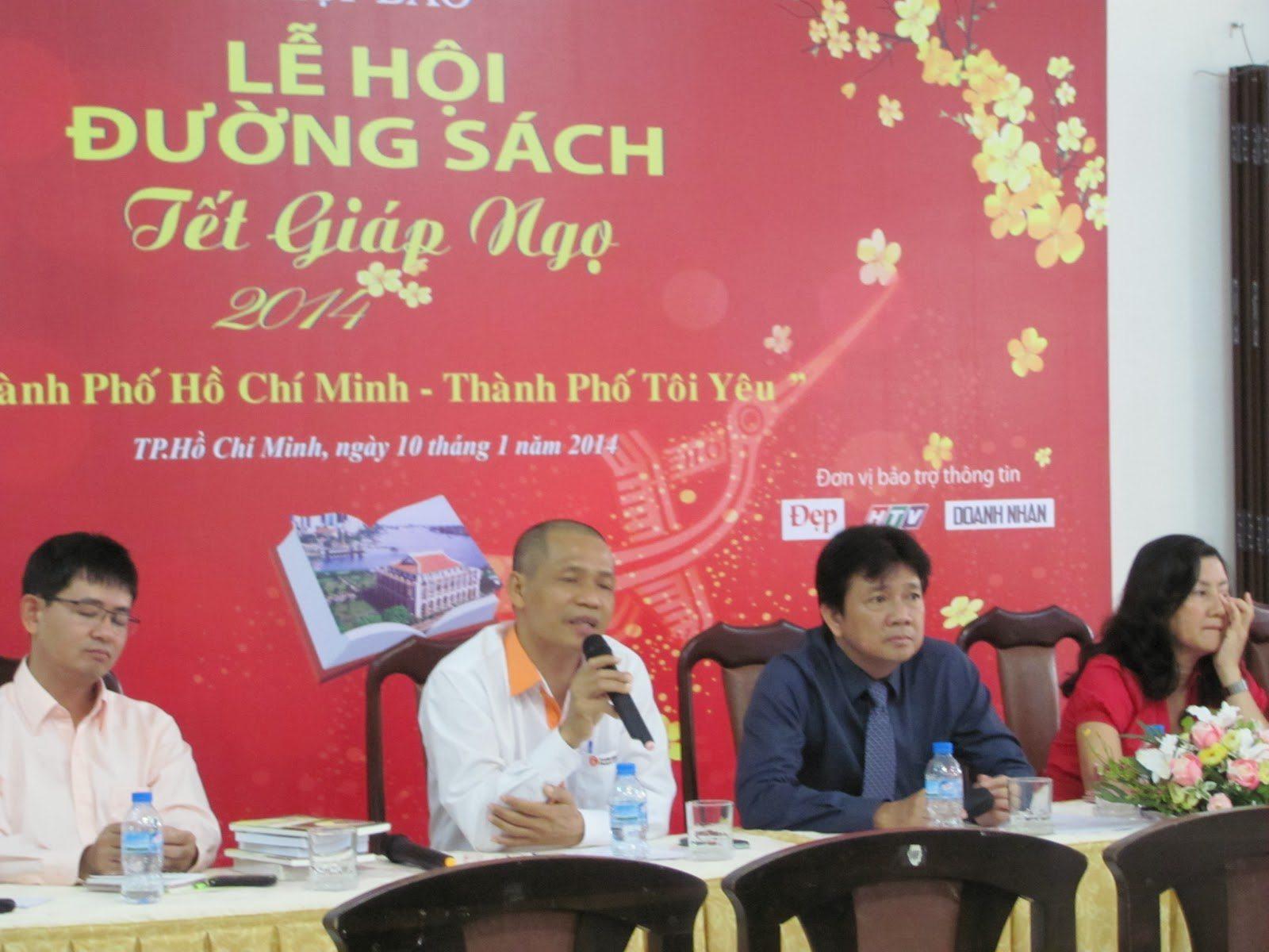 """Họp báo """"Lễ hội Đường Sách Tết Giáp Ngọ 2014"""" được tổ chức sáng nay 10/01/2013"""