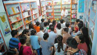 TS. Nguyễn Mạnh Hùng giao lưu với sinh viên Quốc tế Singapore