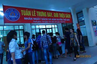 tet-sach-2013-truong-dai-hoc-thuong-mai