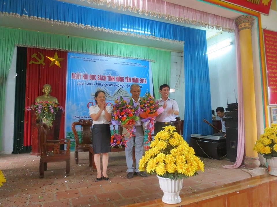 Tiến sĩ Nguyễn Mạnh Hùng về Hưng Yên hưởng ứng Ngày sách Việt Nam 21/4