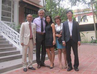 Đại sứ đặc mệnh toàn quyền Italy tại Việt Nam, ngài Lorenzo Angeloni tiếp Tổng Giám đốc Thaihabooks nhân dịp Tết sách lần thứ 6