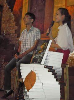 """Chương trình ra mắt tác phẩm """"Lá rơi trong thành phố"""" của Lê Xuân Khoa tại Tp. HCM đã diễn ra thành công"""
