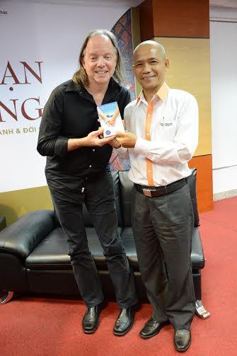 Geshe Michael Roach mang Năng đoạn kim cương vào Việt Nam lần thứ 2