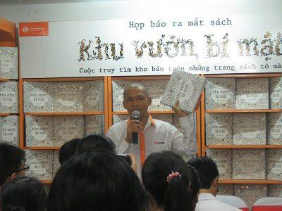 """TS Nguyễn Mạnh Hùng phát biểu tại Họp báo ra mắt sách """"Khu vườn bí mật"""""""