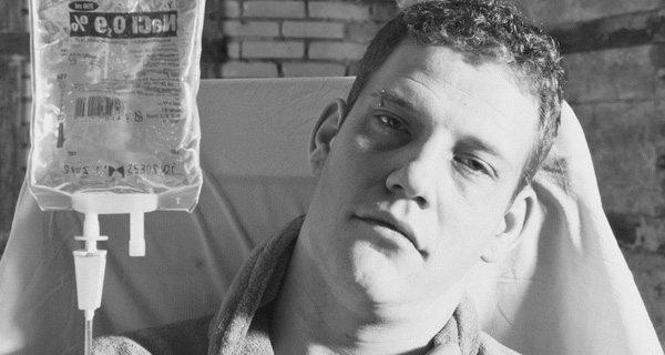 Bức thư tạm biệt cuộc sống của chàng trai 24 tuổi: Chúng ta làm việc như một cái máy, chúng ta chỉ đang cố gắng tồn tại…