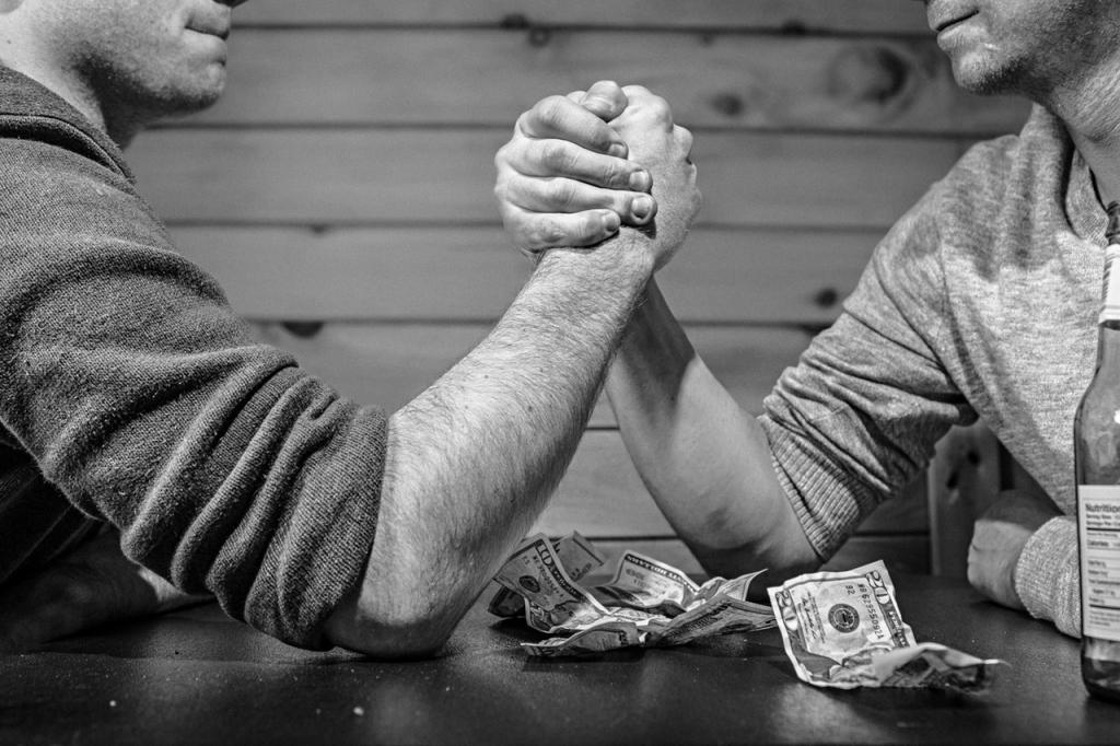 10 Mẹo đơn giản giúp bạn thổi bay nợ nần trong năm mới