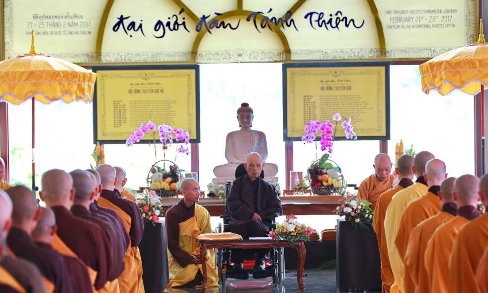 ĐẠI GIỚI ĐÀN THÁNH THIÊN tại Làng Mai Thái Lan
