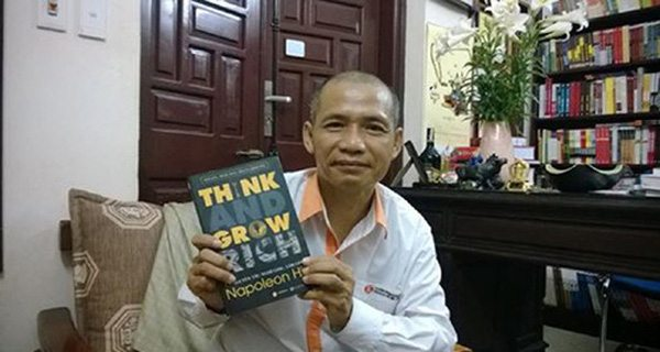 """Các doanh nhân cũng lười đọc sách như đa số người Việt, có vị sếp còn tâm sự """"mấy năm nay anh có đọc sách đâu mà vẫn làm ăn phát đạt!"""""""