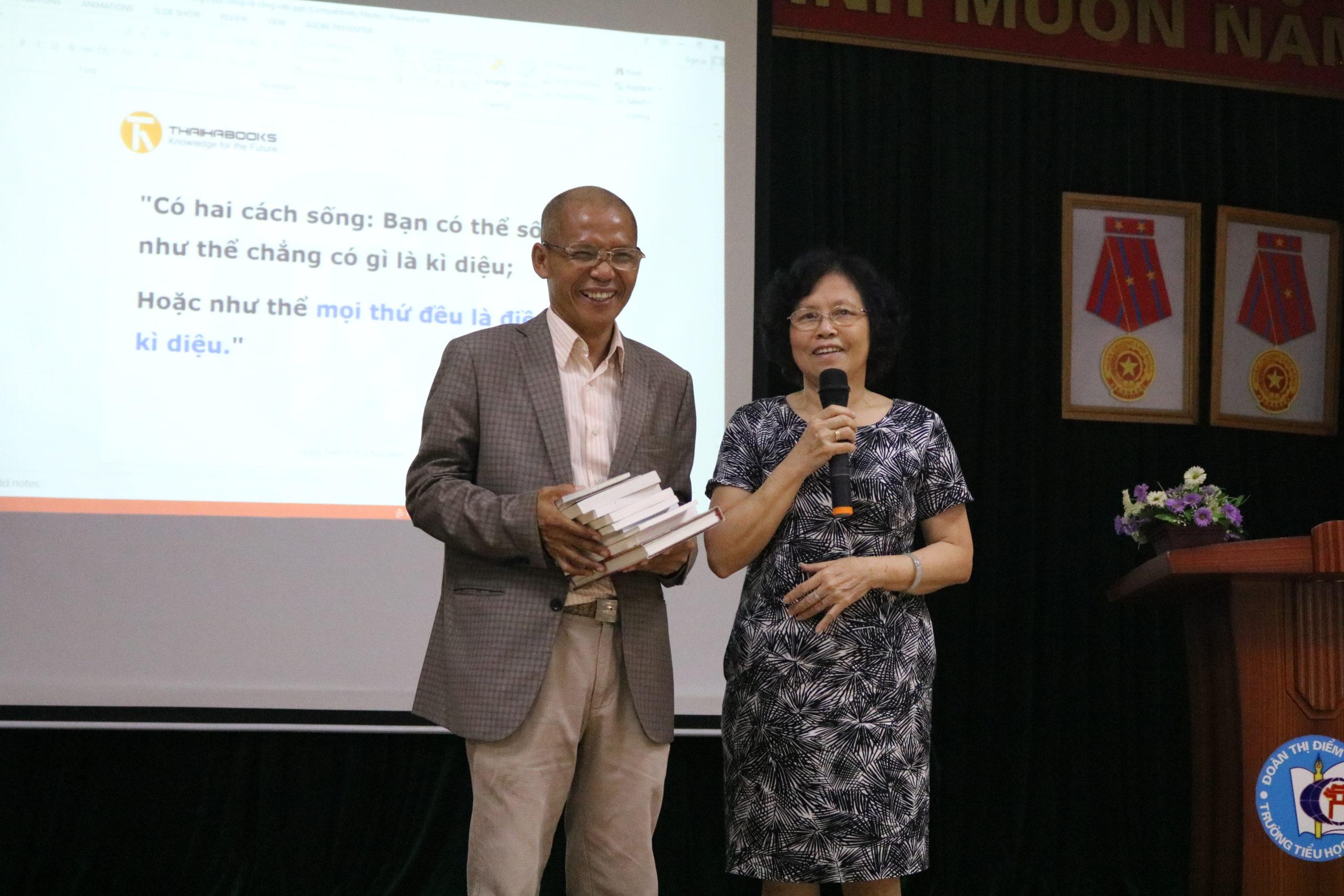 """Ts. Nguyễn Mạnh Hùng: """" Chữ tâm kia mới bằng ba chữ tài"""""""