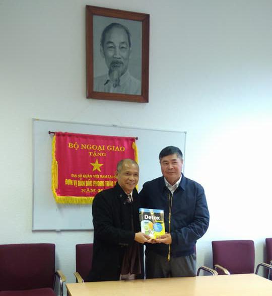 Lãnh đạo công ty sách Thái Hà đến thăm và làm việc tại Đại sứ quán Việt Nam tại CHLB Đức