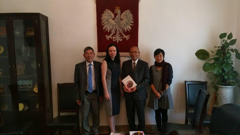 Lãnh đạo Thái Hà Books đến thăm và làm việc với Đại sứ Ba Lan tại Việt Nam