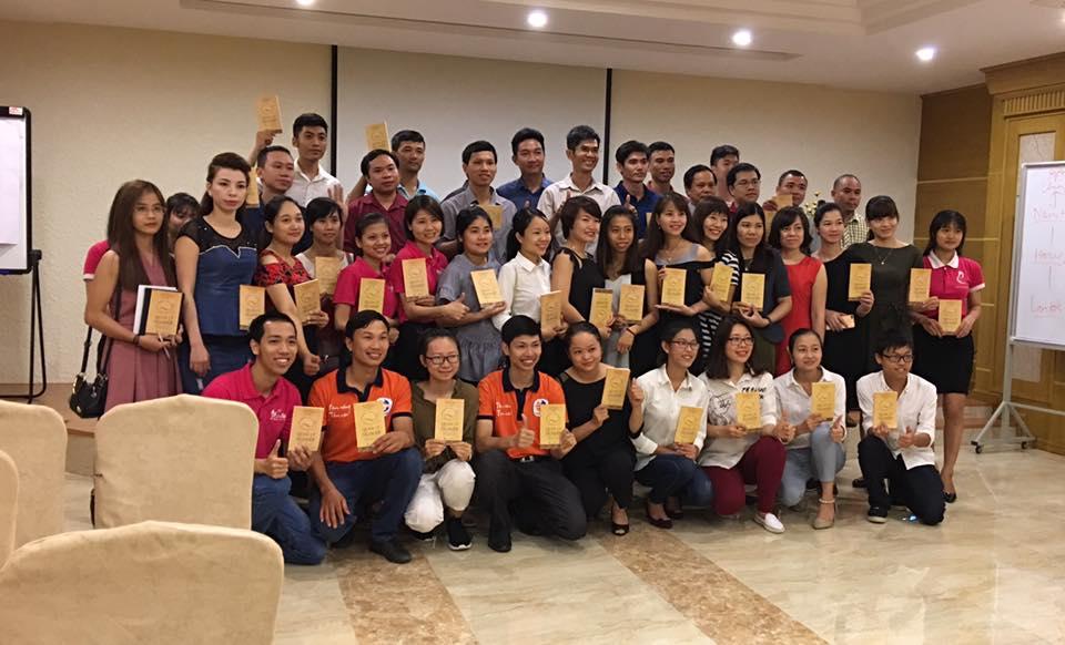 """Chuyện doanh nhân Đặng Quang Trí tặng 10.000 cuốn sách """"Quản lý nghiệp"""""""
