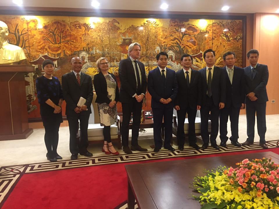 Chương trình làm việc hiệu quả bất ngờ giữa Chủ tịch Hà Nội Nguyễn Đức Chung và Chủ tịch Frankfurt Book Fair Juergen Boos