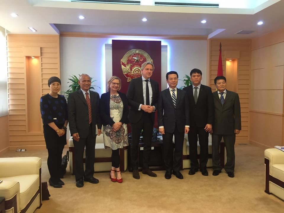 Cuộc gặp gỡ quan trọng giữa Bộ trưởng Bộ TTTT Nguyễn Mạnh Hùng với Chủ tịch Frankfurt Book Fair Juergen Boos