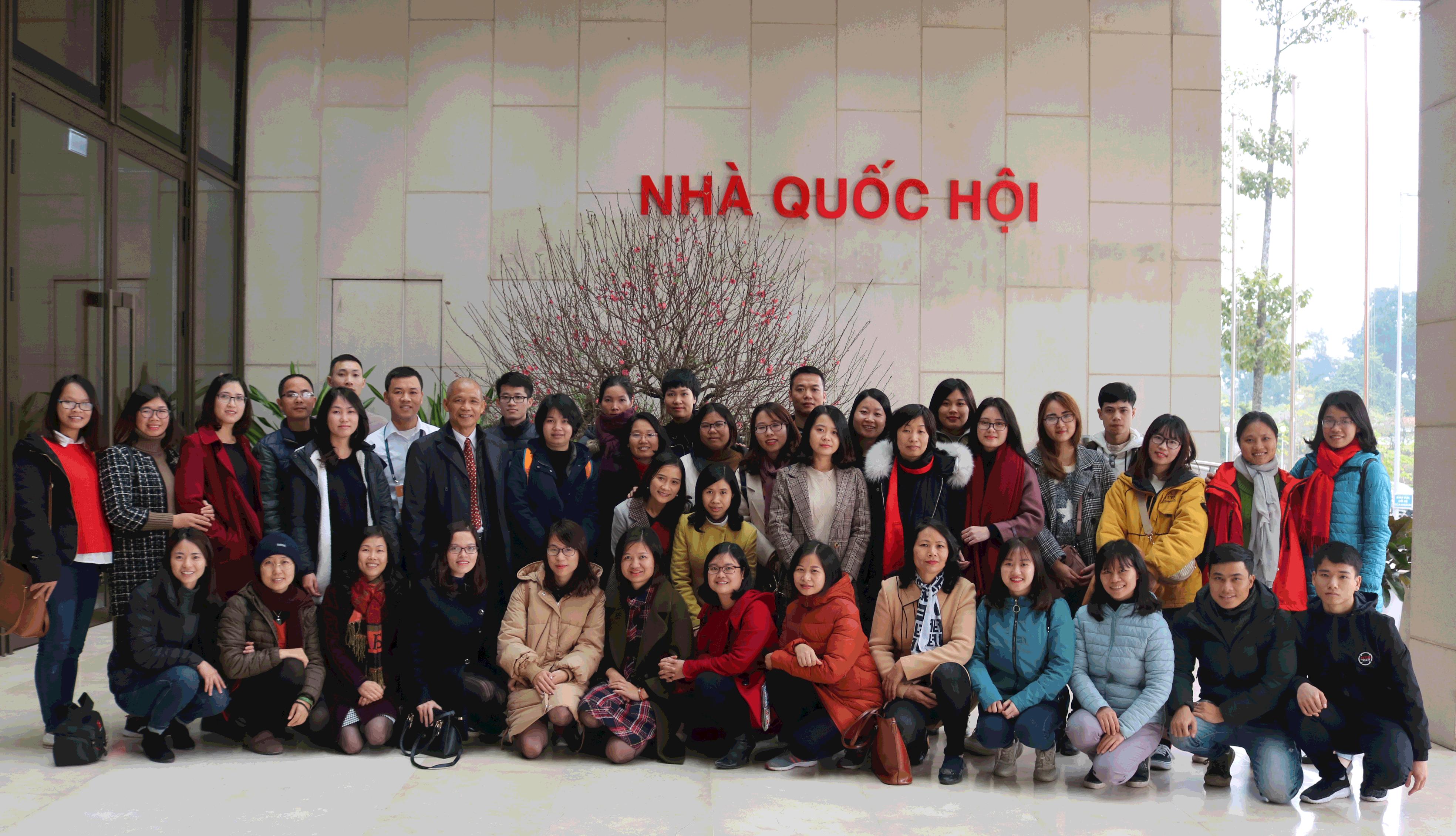Đoàn Thái Hà Books tham quan Tòa nhà Quốc Hội – Một ngày trải nghiệm khó quên