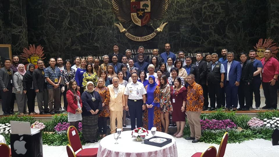 Thị trưởng Jakarta Anies Baswedan hết mình ủng hộ văn hóa đọc