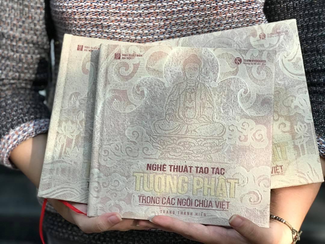 """""""Nghệ thuật tạo tác tượng Phật trong các ngôi chùa Việt"""" và câu chuyện về những cuốn sách có giá hàng chục triệu đồng"""