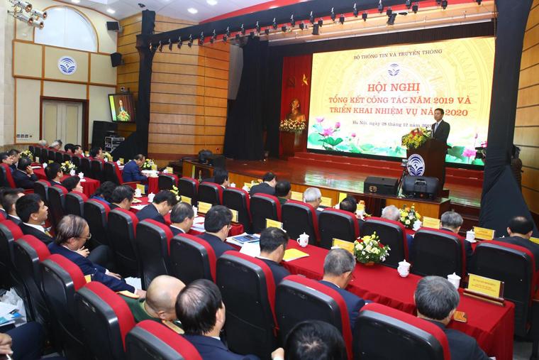 """""""Liệu xuất bản Việt Nam có thành ngành công nghiệp?"""" – Tham luận của Tiến sĩ Nguyễn Mạnh Hùng tại Hội nghị Bộ Thông tin và Truyền thông"""