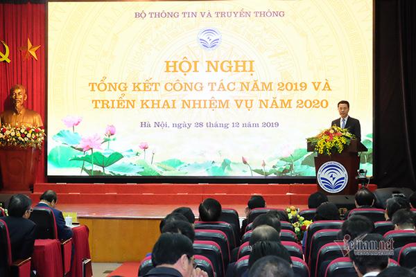 Tiến sĩ Nguyễn Mạnh Hùng có tham luận tại Hội nghị Bộ Thông tin và Truyền thông