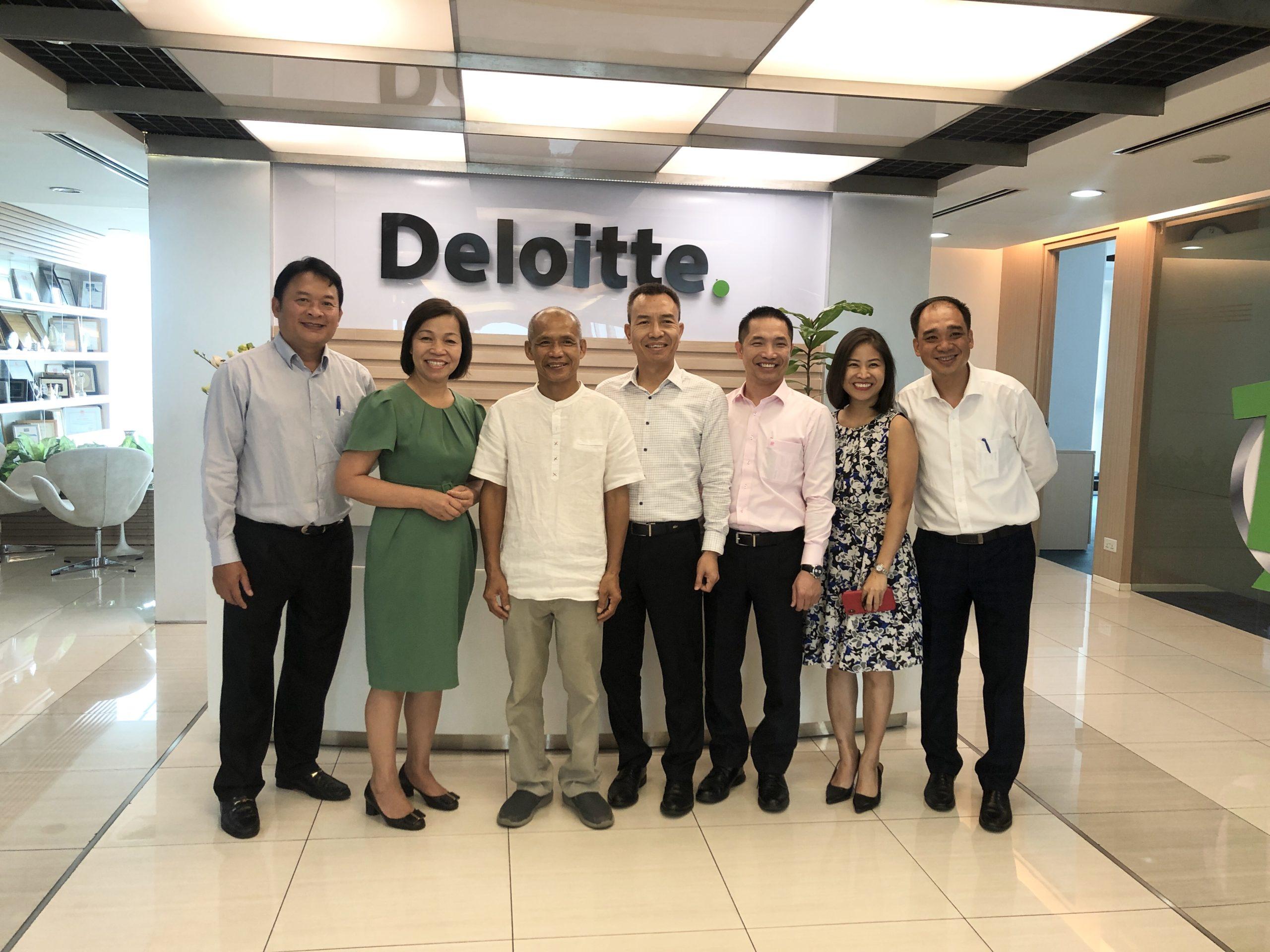 """Chương trình giao lưu """"Tôi làm việc – Tôi hạnh phúc"""" tại Công ty Deloitte Việt Nam"""