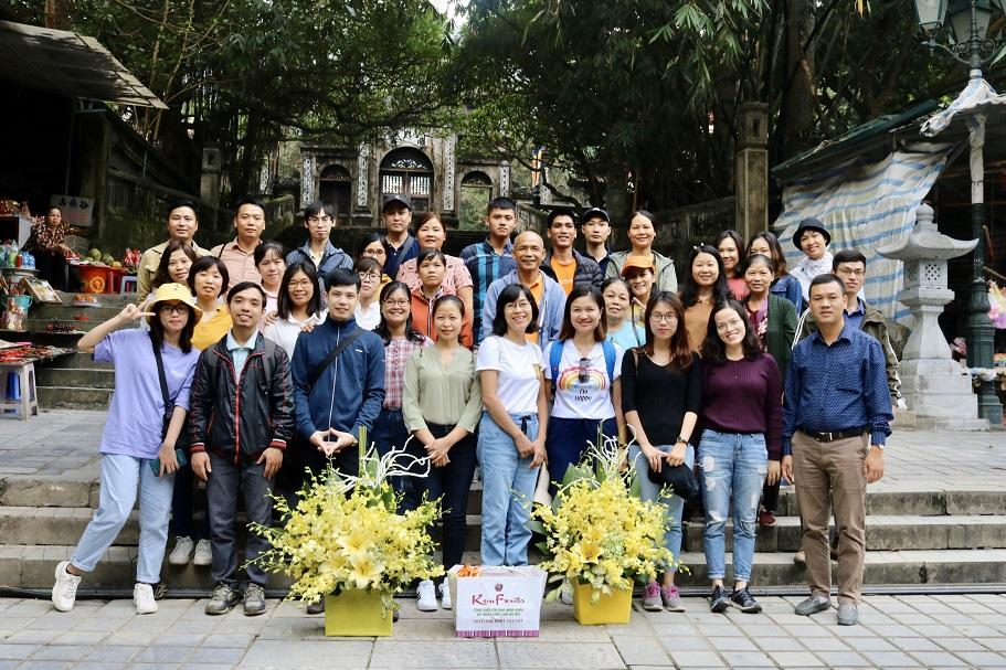 Về thăm chùa Hương non nước hữu tình