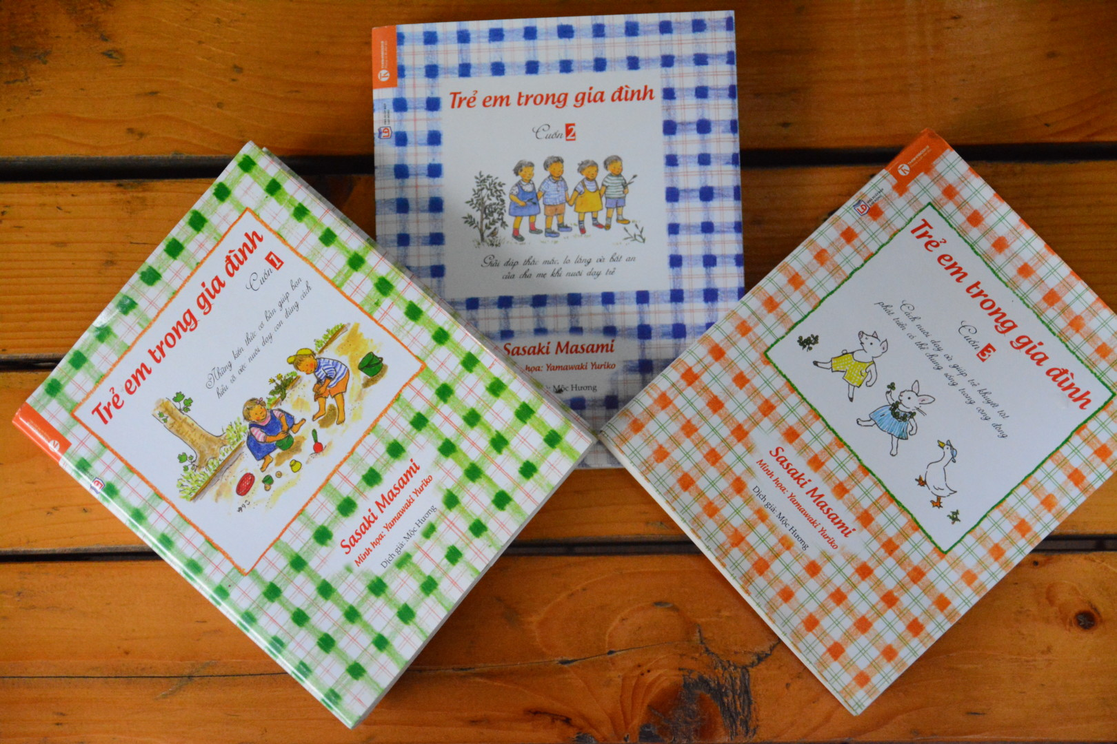 """""""Trẻ em trong gia đình"""" – Bộ sách giúp bố mẹ nuôi dưỡng nhân cách cho con"""